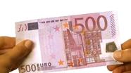 Run your finger across 500 eur bottom side